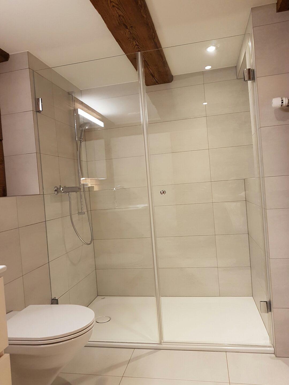 duschen nach mass duschtrennw nde duschtrennwand duschen trennwand glasduschen startseite. Black Bedroom Furniture Sets. Home Design Ideas